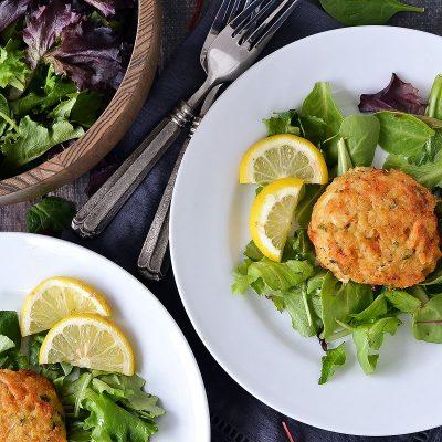 Crab Cakes with Garlic Aioli – W30