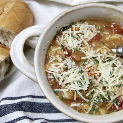 Instant Pot Minestrone Soup = 30 Minute Dinner