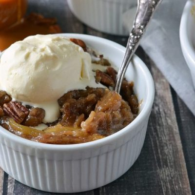 Slow Cooked Caramel Apple Crumble