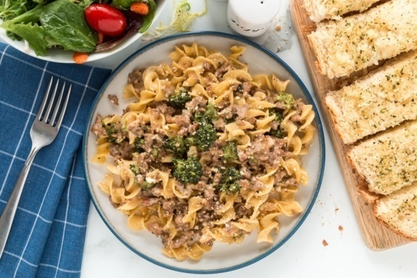 creamy sausage and broccoli pasta